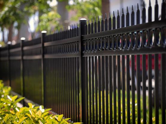 metal fence installation hingham